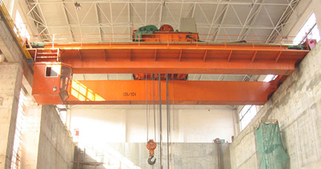 What are the cranes suitable for workshop operation?